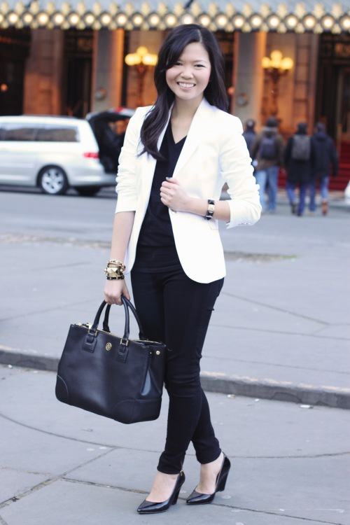 Jenny in Jacquard; NYC fashion blogger; style blog; winter outfit photo; white Zara blazer; black H&M v-neck t-shirt; black Zara skinny jeggings; Tory Burch Robinson tote bag; Pour la Victoire Mai pump wedge in black patent; C. Wonder skinny bangle; Juicy Couture gold pave cuff